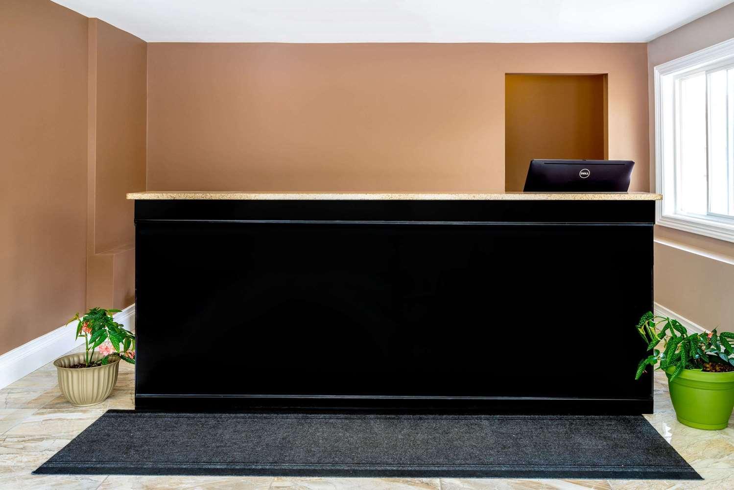 proam - Super 8 Hotel Kingston