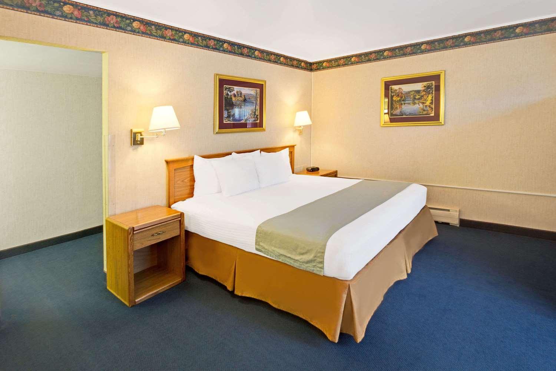 Room - Travelodge Rapid City