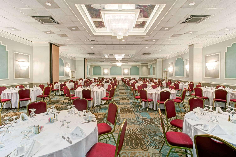 Ballroom - Wyndham Garden Hotel Shreveport