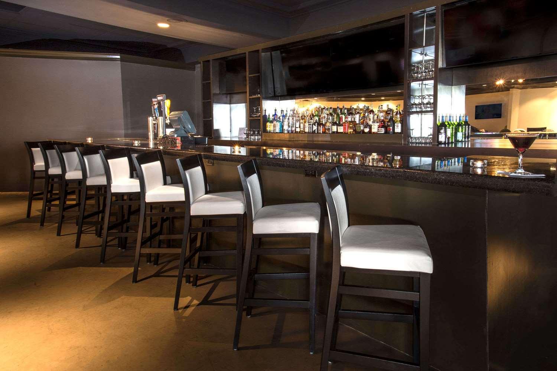Bar - Wyndham Garden Hotel Shreveport