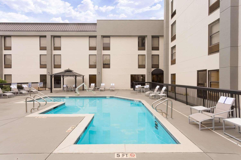 Pool - Wyndham Garden Hotel Airport Greenville