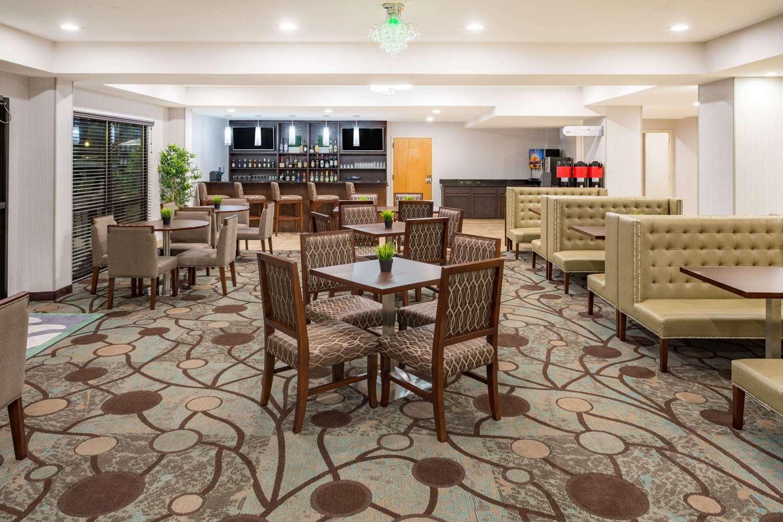 Restaurant - Wyndham Garden Hotel Airport Greenville