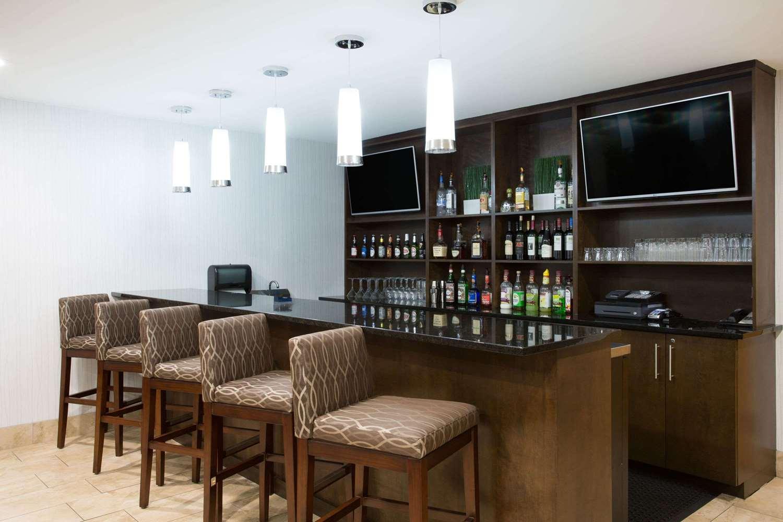 Bar - Wyndham Garden Hotel Airport Greenville