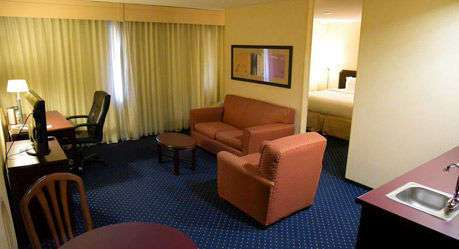 Room - Wyndham Garden Hotel North Fort Wayne
