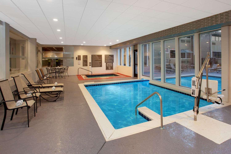Pool - Wyndham Garden Hotel North Fort Wayne