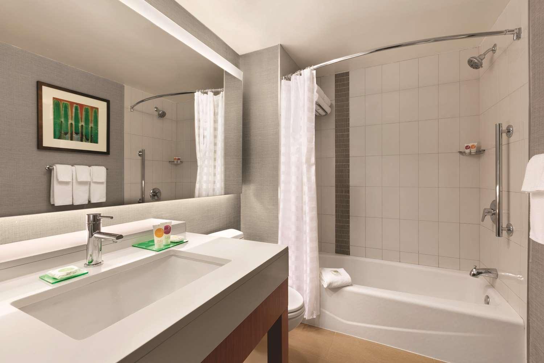 Room - Hyatt Place Hotel Inner Harbor Baltimore