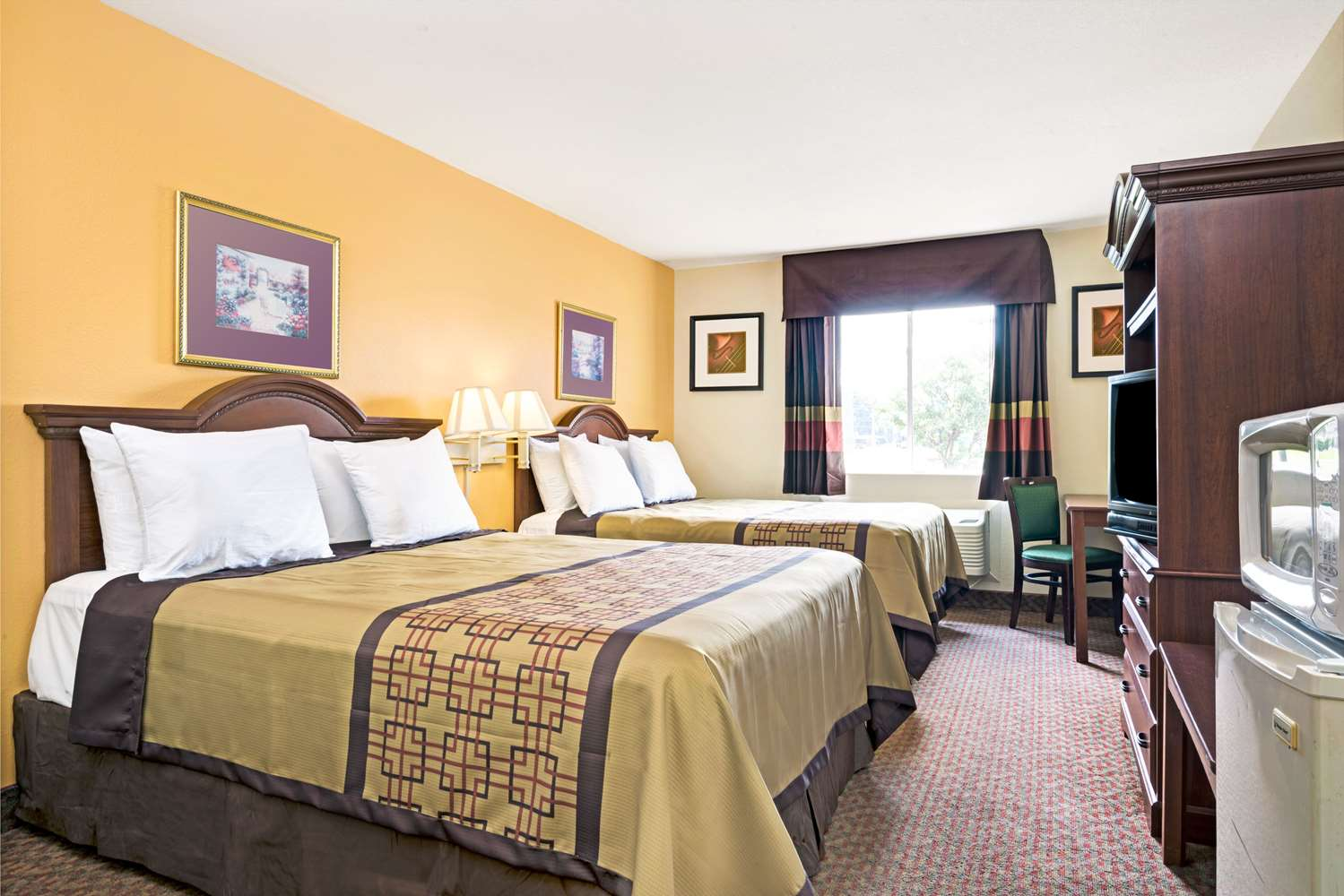 Room - Days Inn Siler City