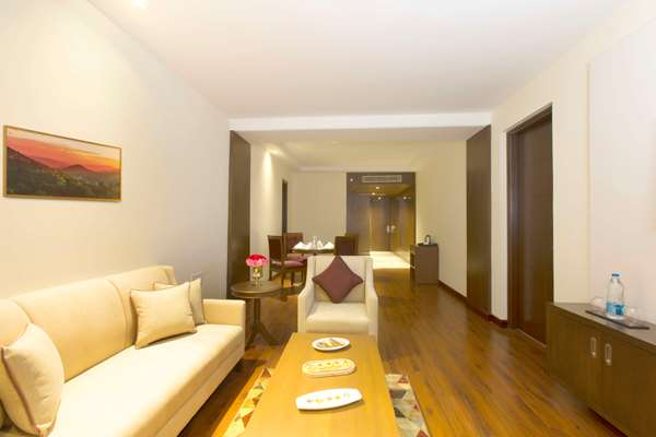 Hotel ROYAL TULIP SHIMLA - KUFRI HILLS - Presidential Suite