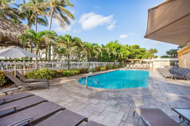 Pool - Wyndham Deerfield Beach Resort