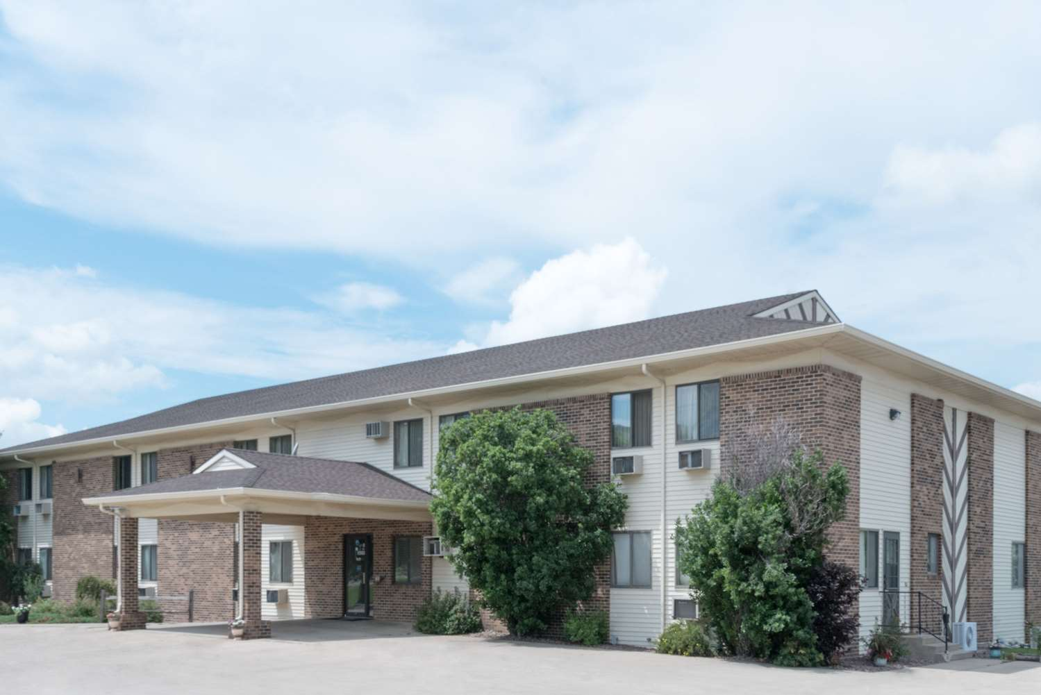 Exterior view - Super 8 Hotel Milbank