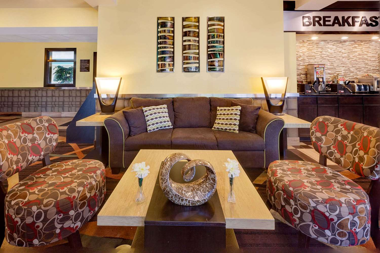 Lobby - Super 8 Hotel Uniontown