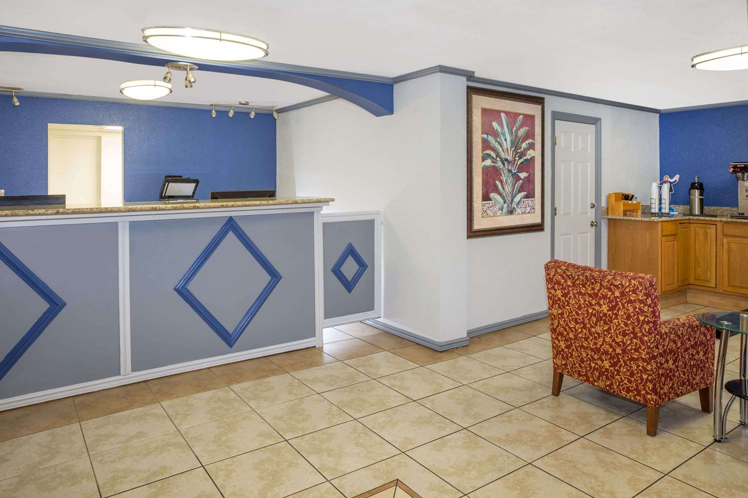 Lobby - Travelodge North Fort Myers