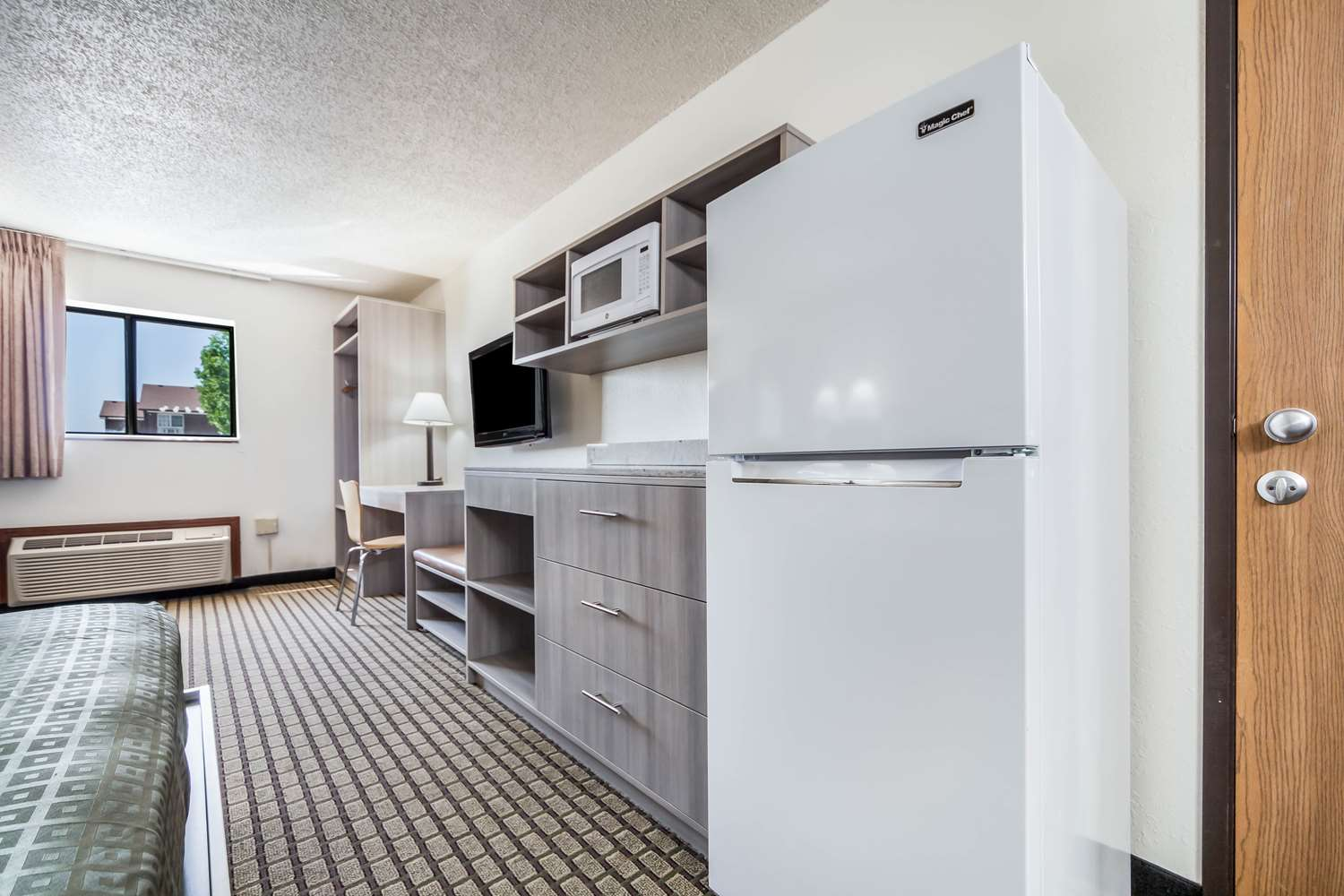 Suite - Country Hearth Inn Maryville