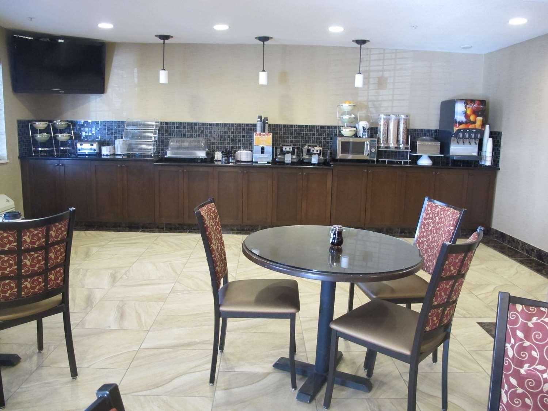 Restaurant - Best Western Woodland Inn