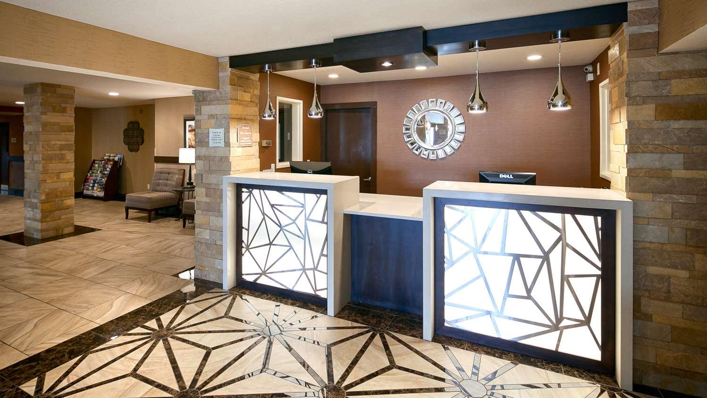 Lobby - Best Western Woodland Inn