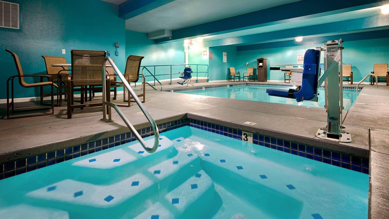 Pool - Best Western Woodland Inn