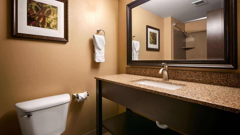 Room - Best Western Woodland Inn
