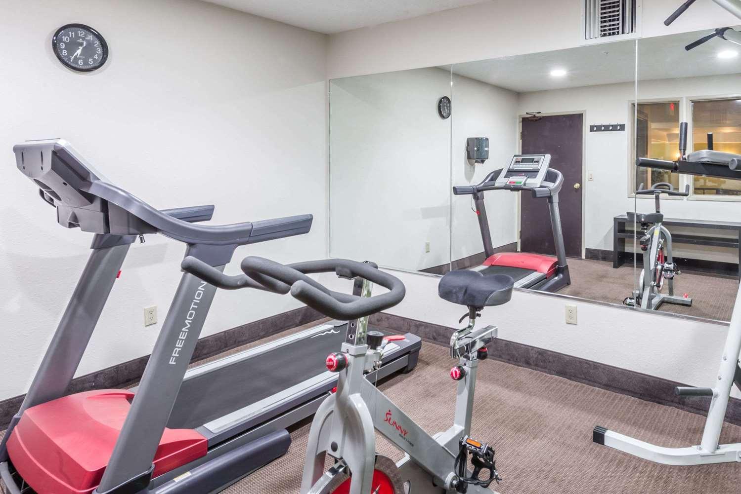 Fitness/ Exercise Room - Baymont Inn & Suites Pueblo