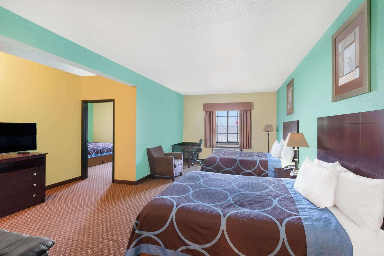 Suite - Days Inn Kemah
