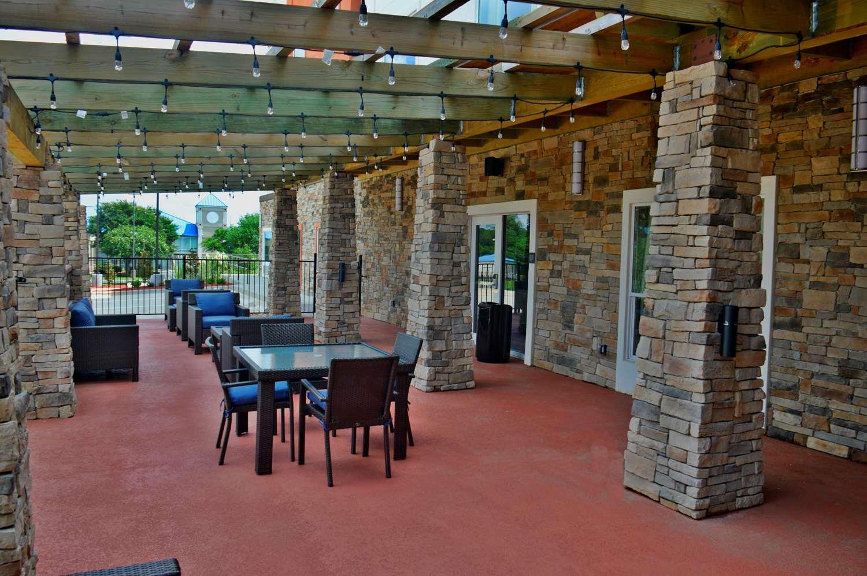 Exterior view - Best Western Plus Airport Inn Shreveport