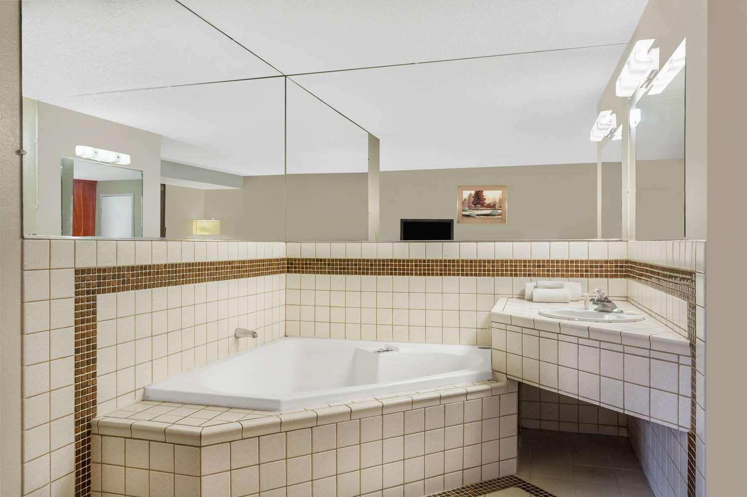 Suite - Travelodge Reno