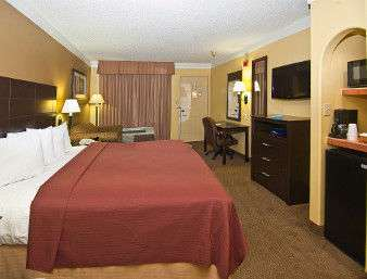 Room - Days Inn Gonzales