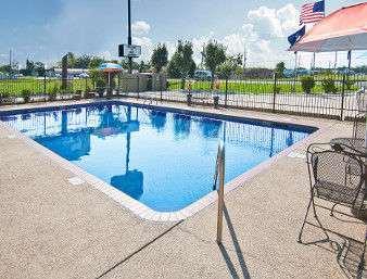 Pool - Days Inn Gonzales