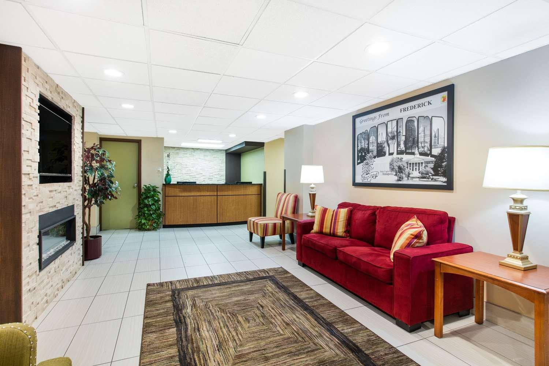 Lobby - Super 8 Hotel Frederick