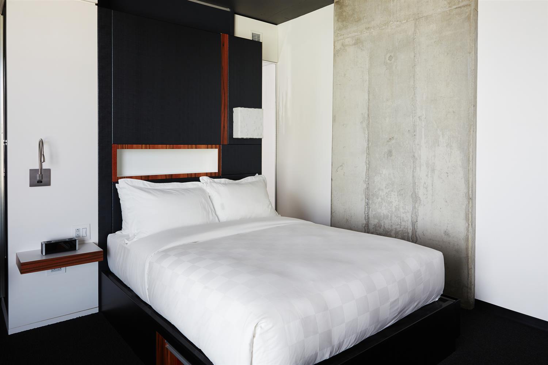Room - Alt Hotel Winnipeg