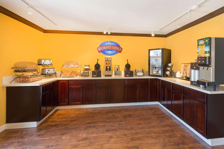 Restaurant - Baymont Inn & Suites Modesto