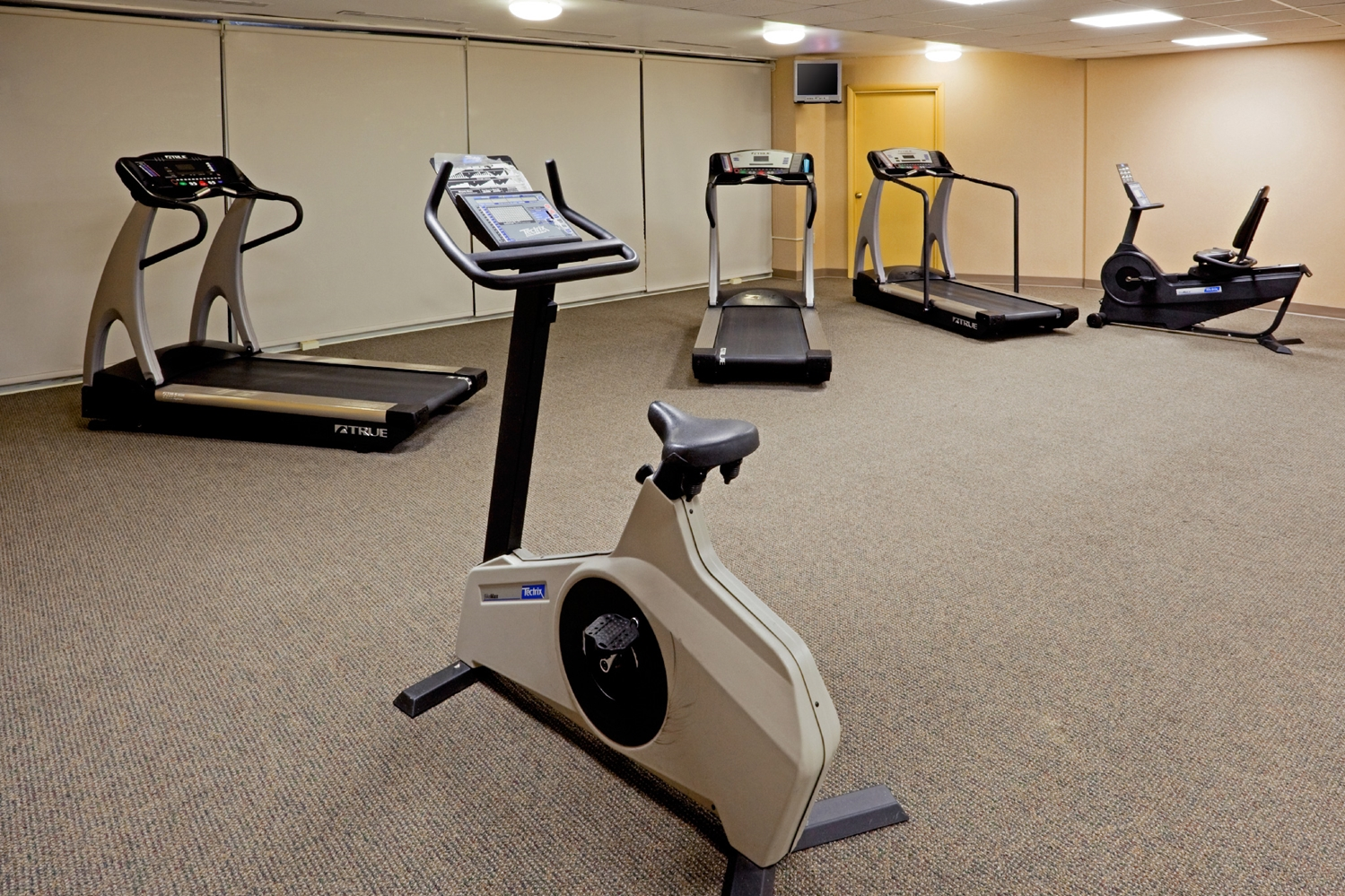Fitness/ Exercise Room - Red Lion Hotel East Harrisburg