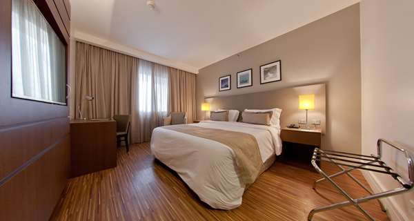 Hotel GOLDEN TULIP SAO JOSE DOS CAMPOS - Standard Room