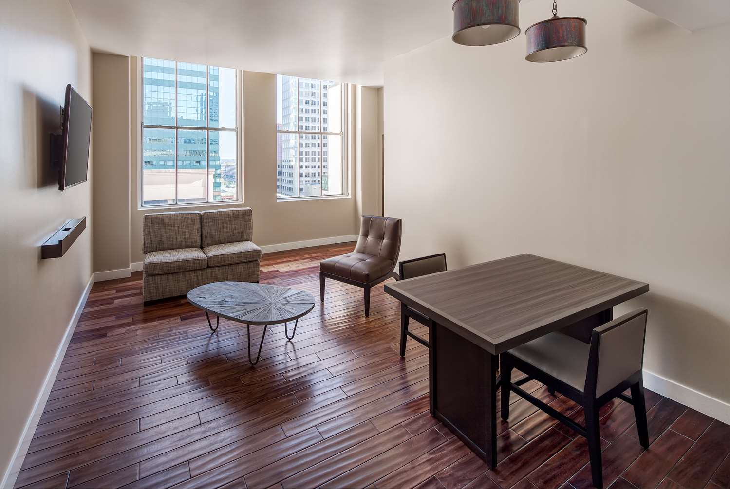 Suite - Hotel RL Inner Harbor Baltimore