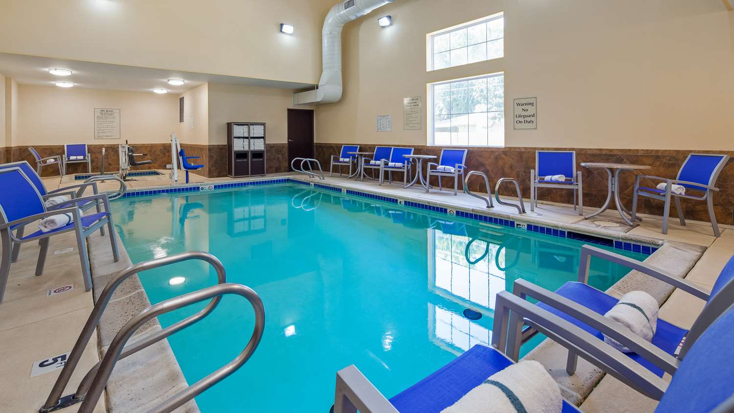 Pool - Best Western Plus Eastgate Inn Wichita