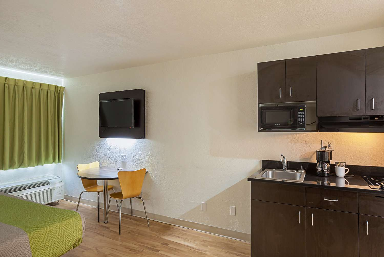 Amenities - Studio 6 Suites Fort Worth