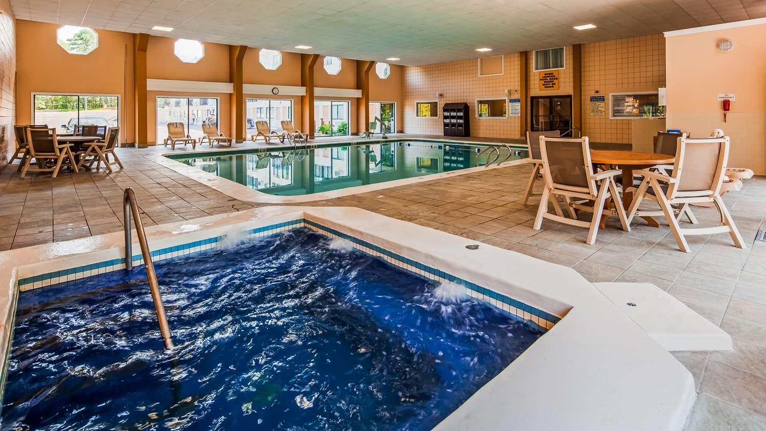 Pool - Best Western Cape Cod Hotel Hyannis
