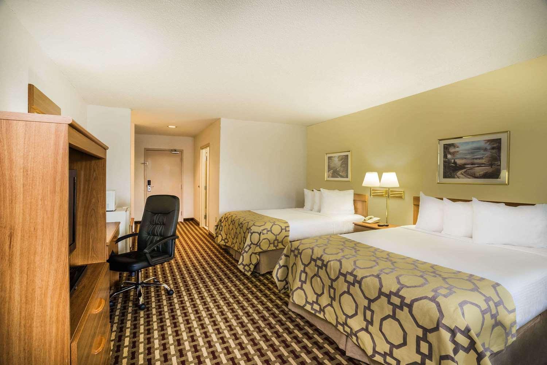 Room - Baymont Inn & Suites Johnson City