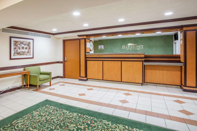 Lobby - Baymont Inn & Suites Madison Heights
