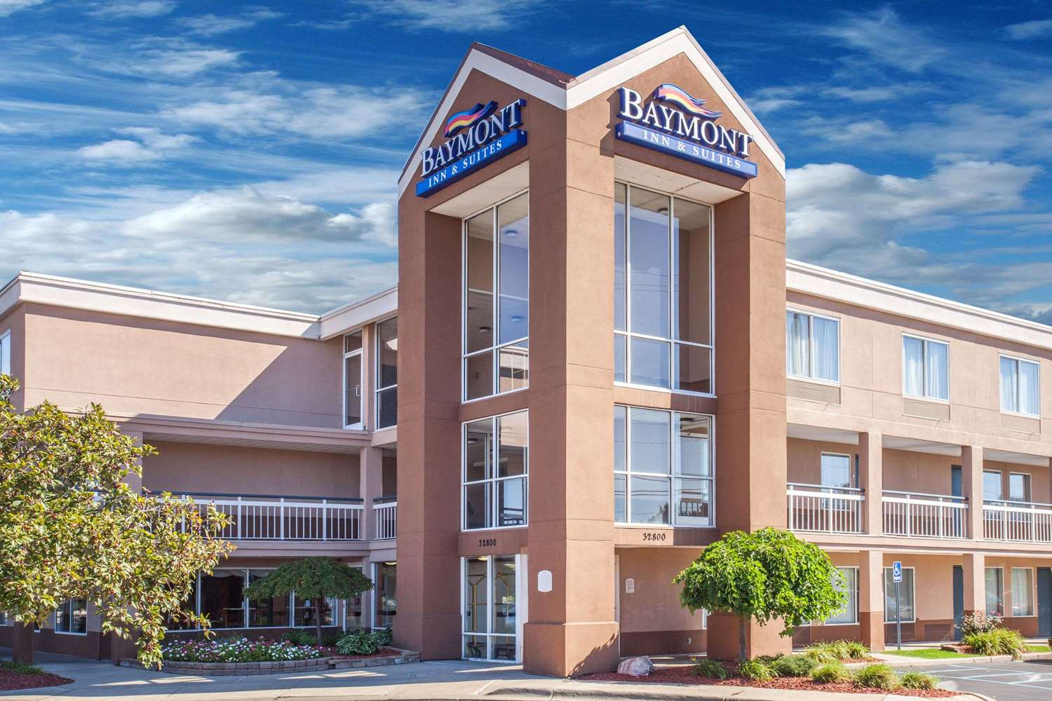 Exterior view - Baymont Inn & Suites Madison Heights