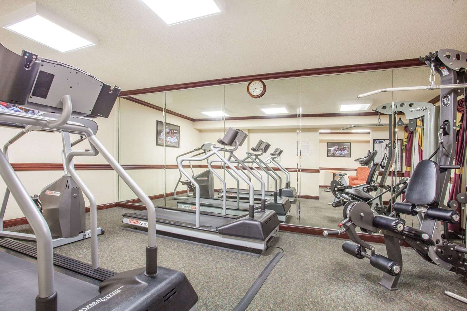 Fitness/ Exercise Room - Baymont Inn & Suites Madison Heights
