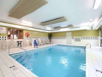 Pool - Baymont Inn & Suites Gurnee