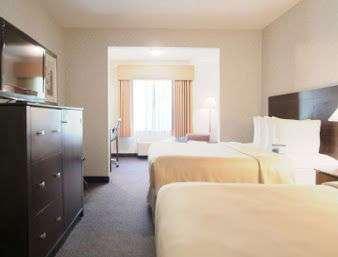 Room - Baymont Inn & Suites Gurnee