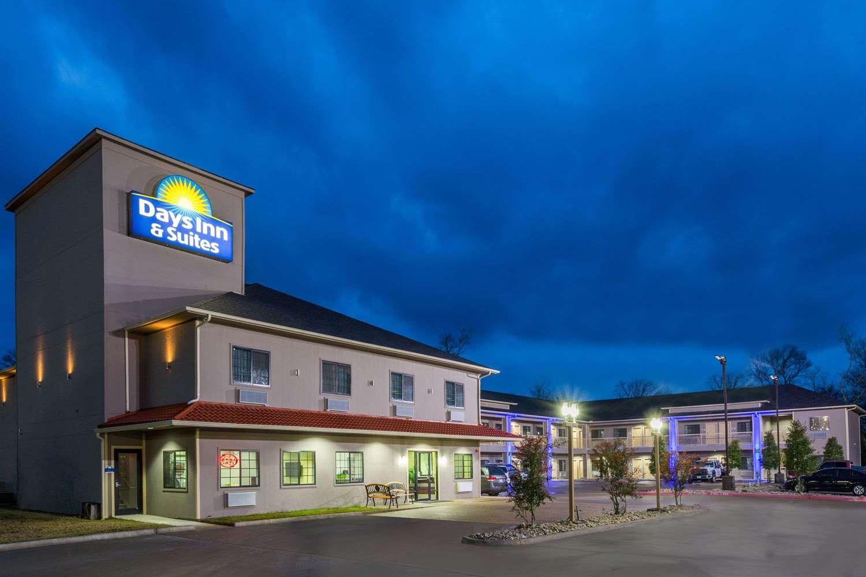 Exterior view - Days Inn & Suites Madisonville