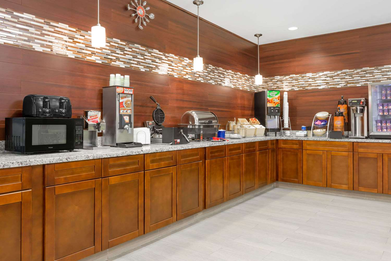 proam - Days Inn & Suites Madisonville