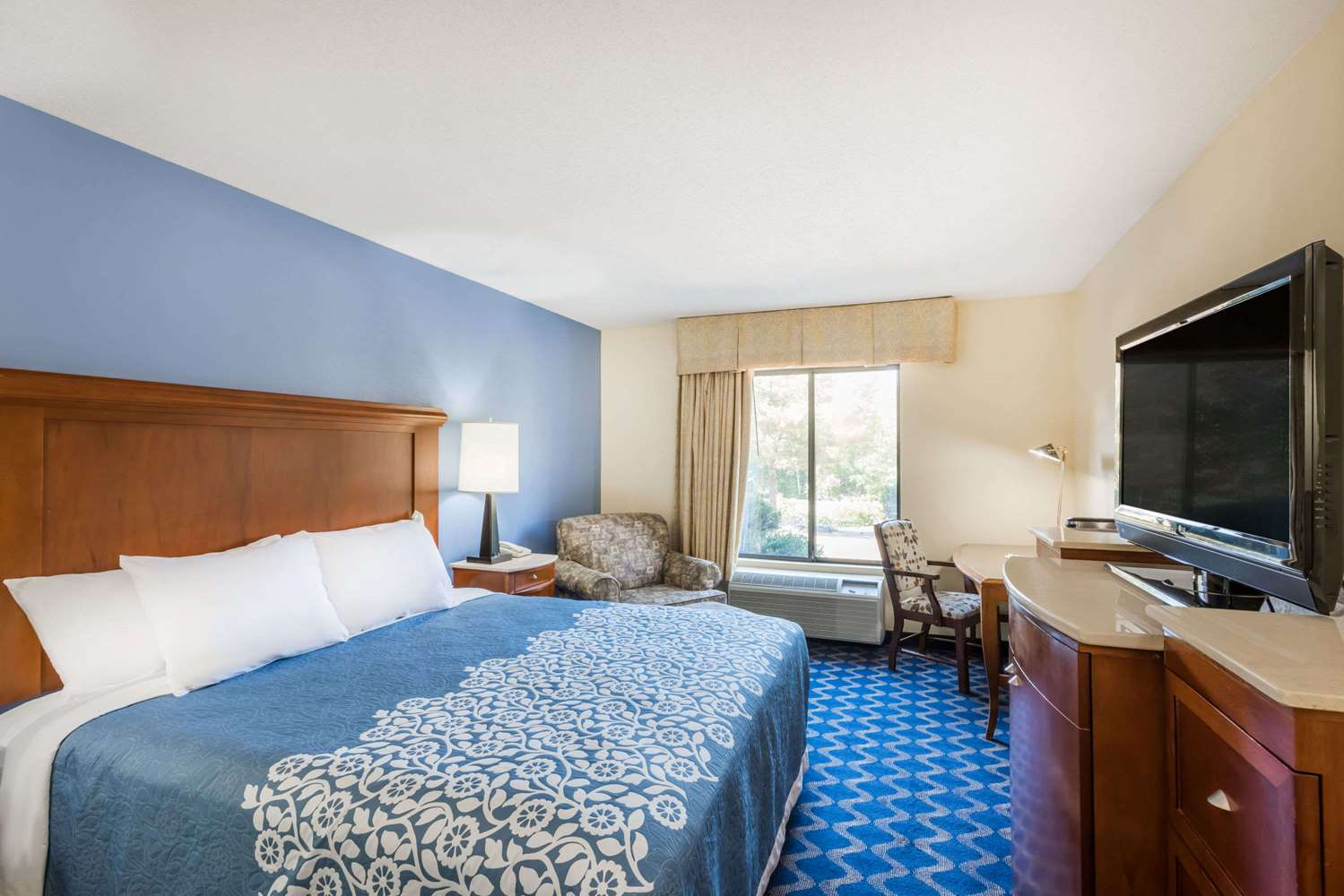 Room - Days Inn Niantic