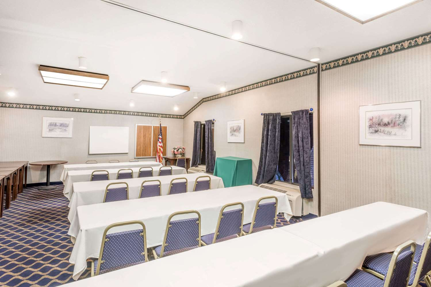 Meeting Facilities - Days Inn Niantic