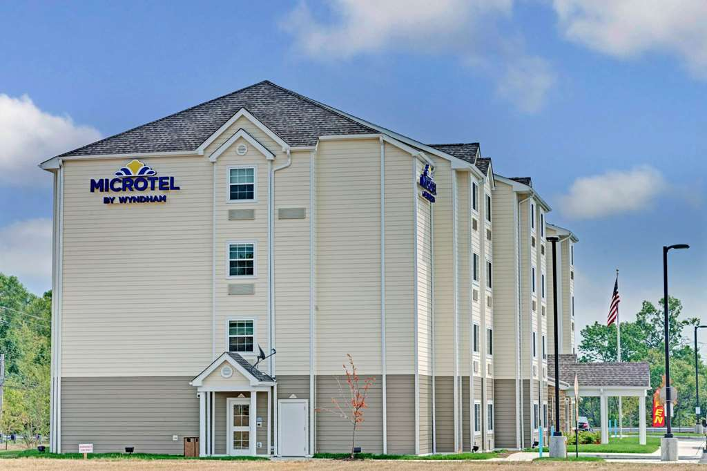 Welcome to the Microtel Inn and Suites by Wyndham Philadelphia Airport Ridley Park