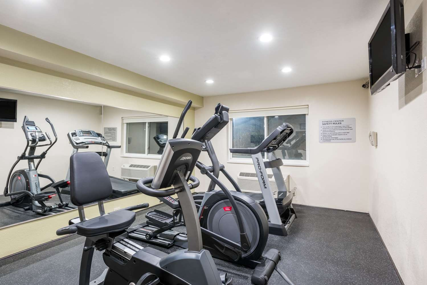 Fitness/ Exercise Room - Ramada Hotel Coeur d'Alene