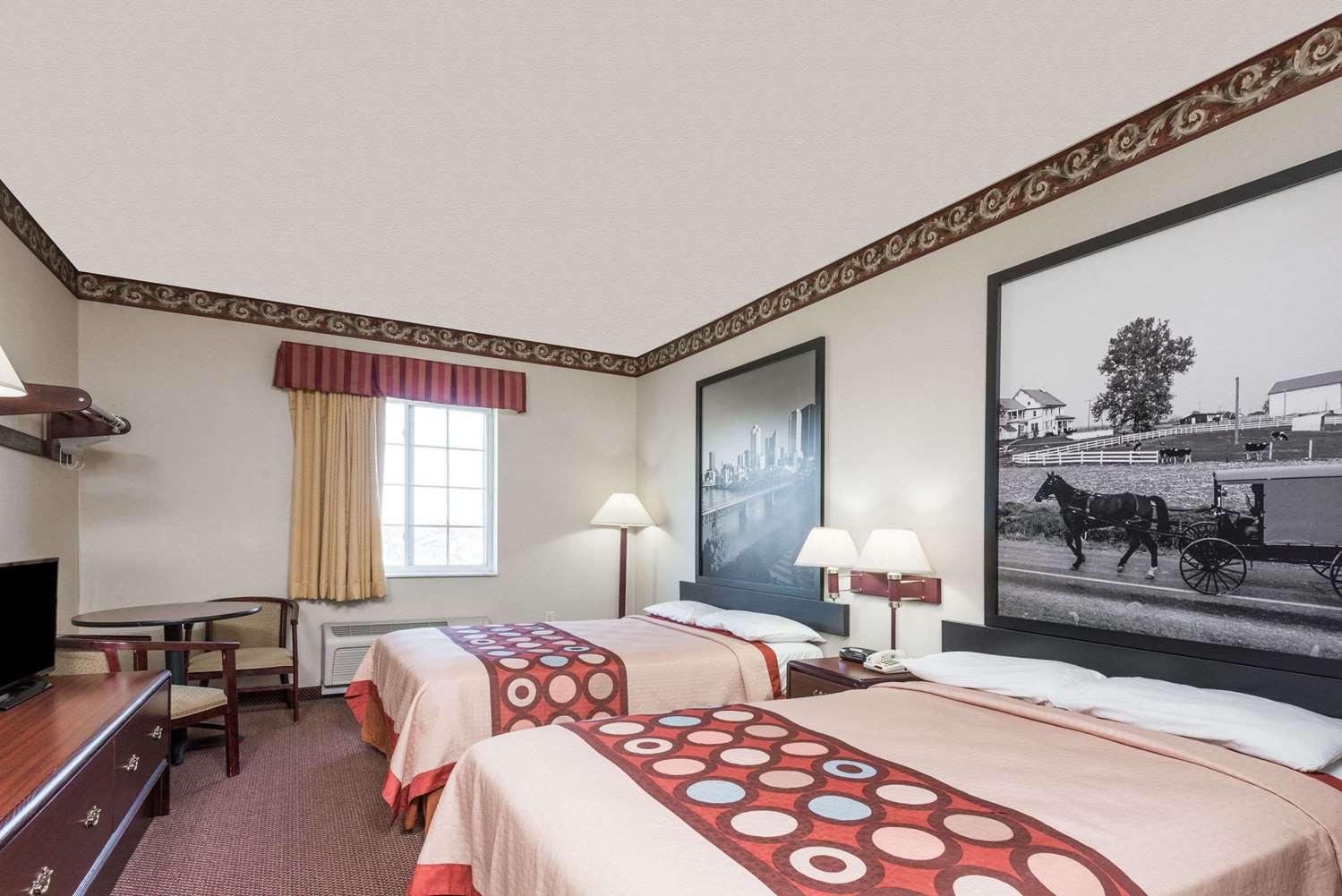 Room - Super 8 Hotel North Harrisburg