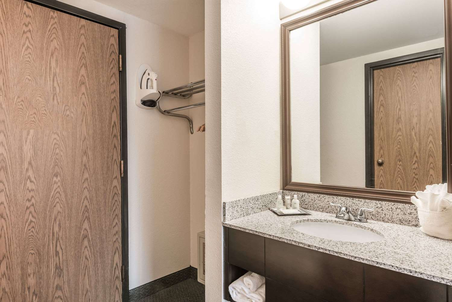 Wyndham Garden Hotel Busch Gardens Williamsburg, VA - See Discounts